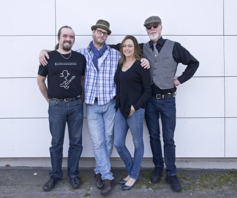 pressbild_karin-rudefelt-o-doctor-blues_outside-studio_2015